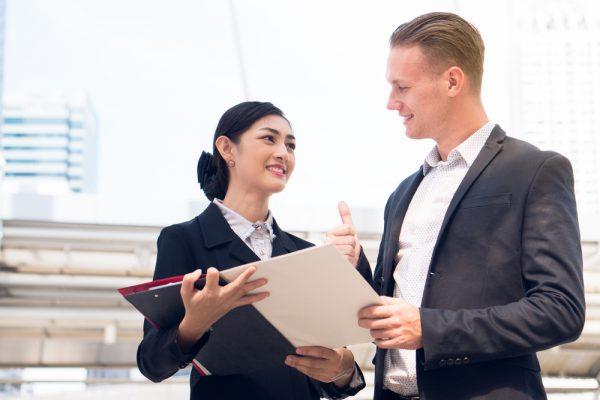 Học IELTS để làm gì - Sở hữu chứng chỉ IELTS giúp bạn dễ tìm kiếm việc làm tốt hơn