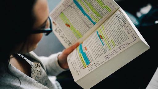 Phương pháp luyện đọc IELTS bằng các tài liệu thực tế sẽ giúp bạn dễ dàng nâng cao trình độ hơn.