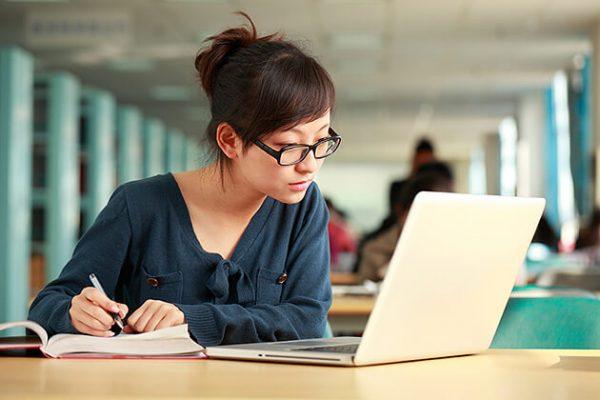 Nên luyện thi IELTS để có khả năng nâng cao kiến thức chuyên môn