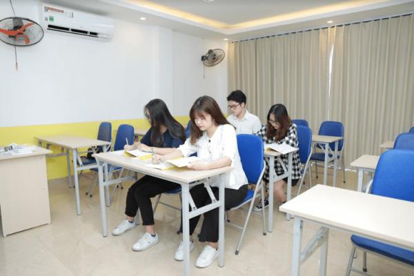 Lớp học đầy đủ tiện nghi của khóa học IELTS Hai Bà Trưng